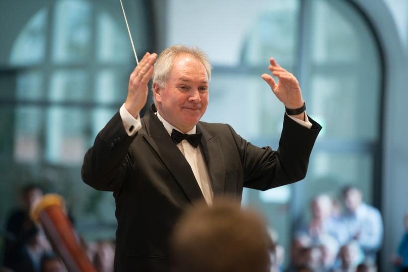 <p>Dirigent Josef Christ</p>