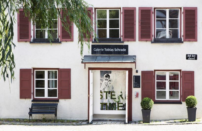 <p>Blick auf die Galerie Tobias Schrade</p>