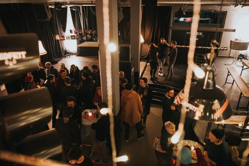 <p>Netzwerktreffen im Club Schilli </p> <p>Foto: Diana Mühlberger</p>